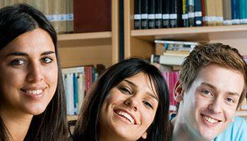 Estudantes de direito podem trabalhar e ganhar experiência antes da formatura