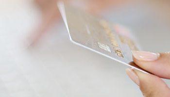 Despesas indevidas no seu cartão de crédito? Conheça seus direitos