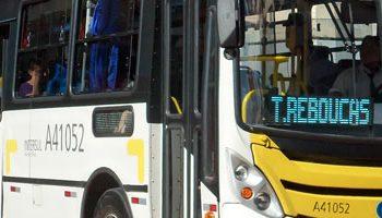 """Caso de """"apreensão"""" de jovens nos ônibus do Rio de Janeiro é inconstitucional?"""